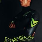 ノーティスワンウェットスーツの2010秋冬カタログを掲載